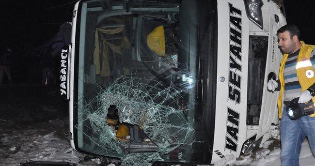 Bingöl'de kaza: 48 yaralı