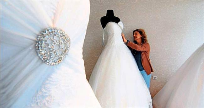 Gelinlik ve damatlıkta dünya markası İzmir