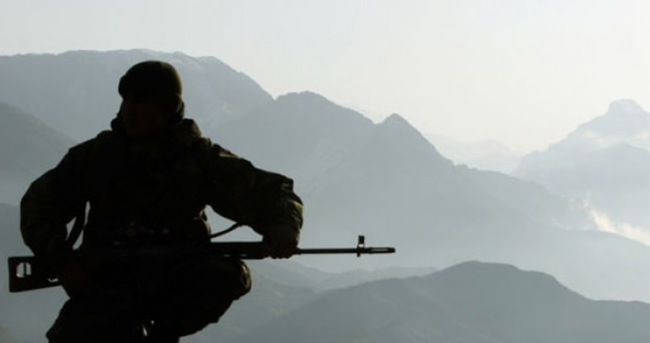 24 saatte 3 asker intihar etti