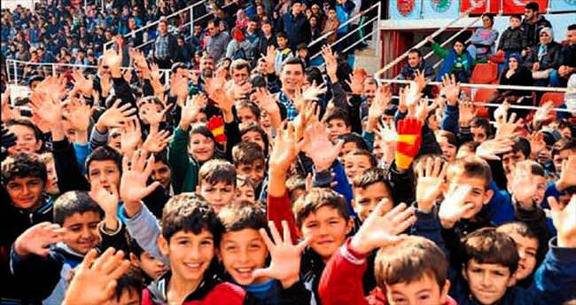 Kepez'in yıldızları turnuvaya başladı