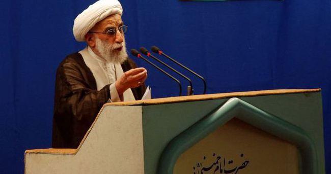 İran Kral'ın ölümünü kutladı