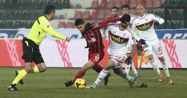 Gaziantepspor: 1 - Medicana Sivasspor: 0 (İlk yarı)