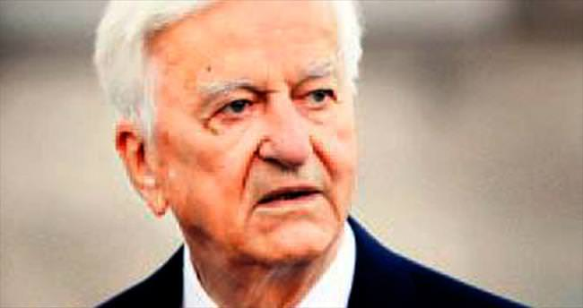Türk dostu lider Weizsaecker öldü