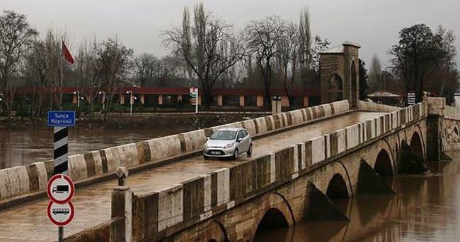 Tunca ve Meriç köprüleri trafiğe kapatıldı