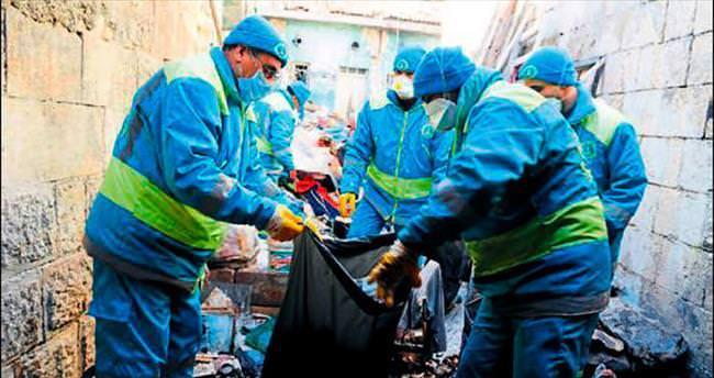Şahinbey Belediyesi çöp eve müdahale etti