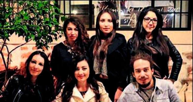 Antalya dönüşünü dostlarıyla kutladı