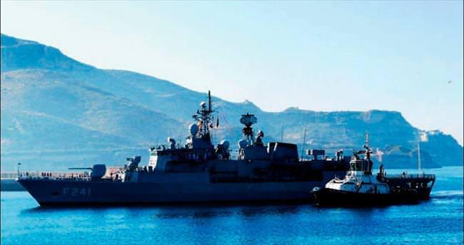 Yunan limanına 'dost' ziyareti