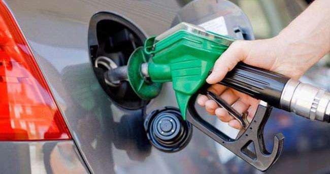Petrol fiyatları arttı, motorine zam geldi! İşte yeni fiyatları