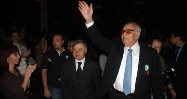 Yaşar Kemal'e Çukurova Ödülü