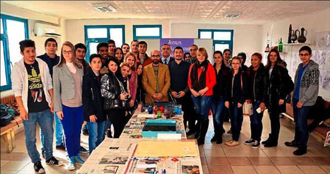 Yabancıların Ebru merakı