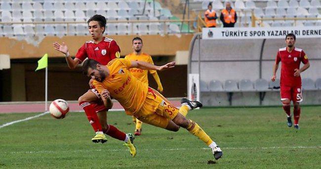 Kayserispor Fenerbahçe'yi liderlikten etti