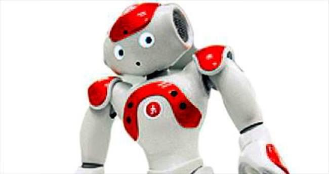 19 dil bilen robot bankada iş buldu!
