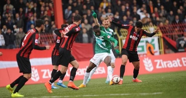 Bursaspor - Karagümrükspor maçı saat kaçta hangi kanalda?