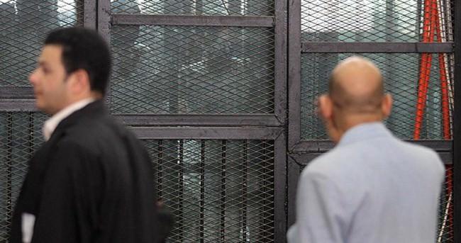 Mısır'da bir darbe onandı
