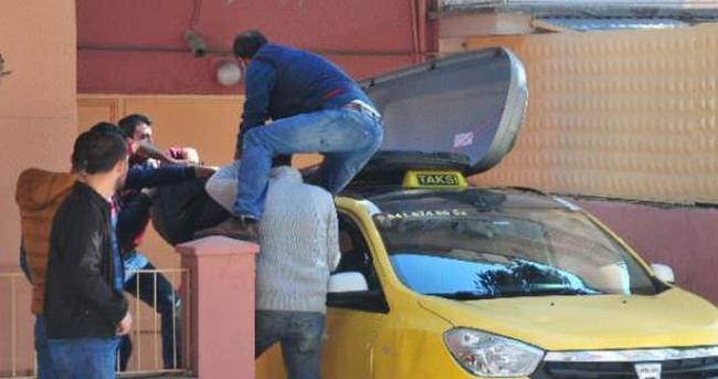 Taksi tavanında cenaze taşıdılar