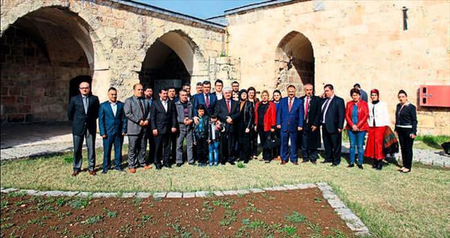 Ak Parti Payas örgütü külliyede toplandı