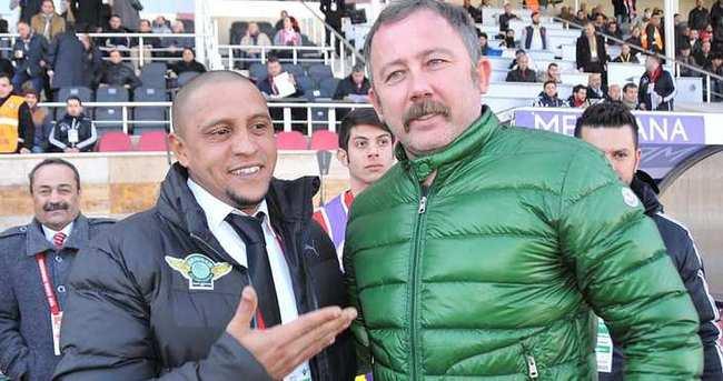 Sergen Yalçın, Roberto Carlos'u devirdi