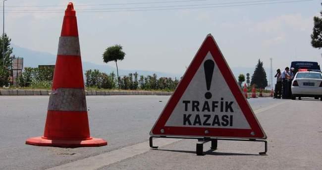 Sivas'ta trafik kazası 2 ölü 3 yaralı