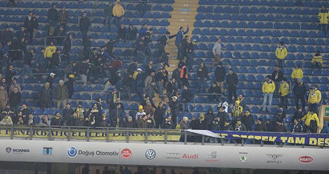 Fenerbahçe tribünleri karıştı!