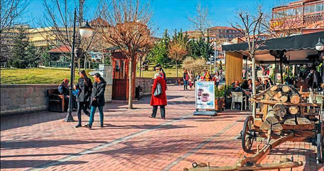 Hamamönü'nde bahar havası yaşanıyor
