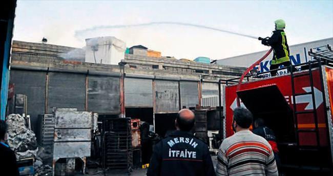 Mersin'de akaryakıt tankı patladı: 4 yaralı