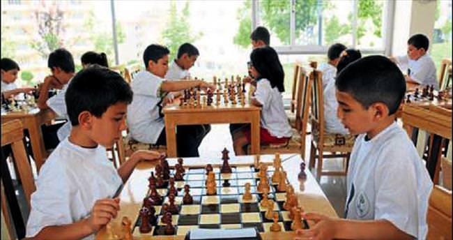 5 yaş üstüne satranç kursu