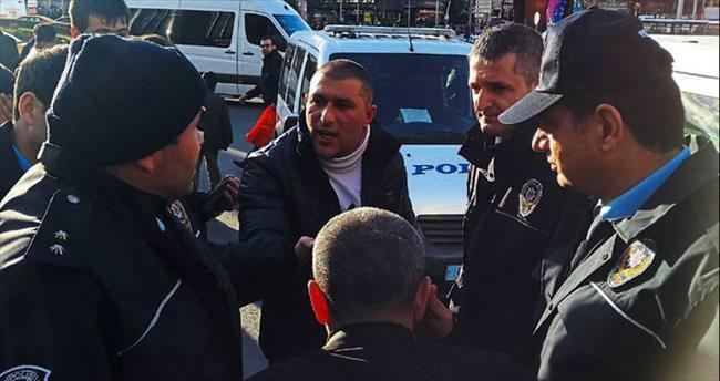 Parkta bıçakladı takside yakalandı