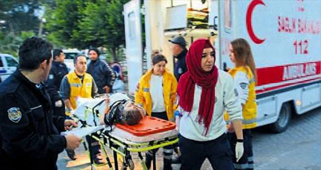 Otobüs devrildi 37 kişi yaralandı