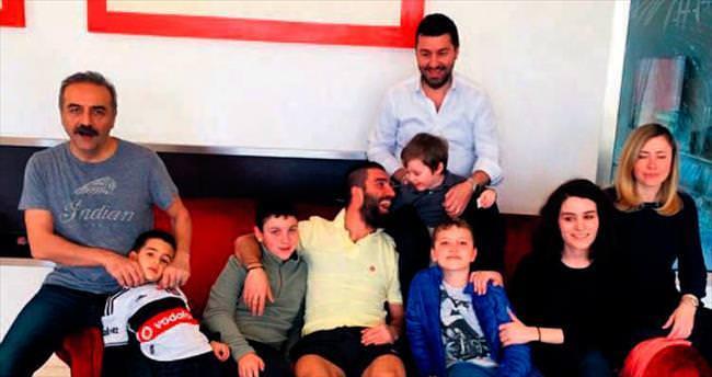 Erdoğan Ailesi, Arda'yı İspanya'da ziyaret etti