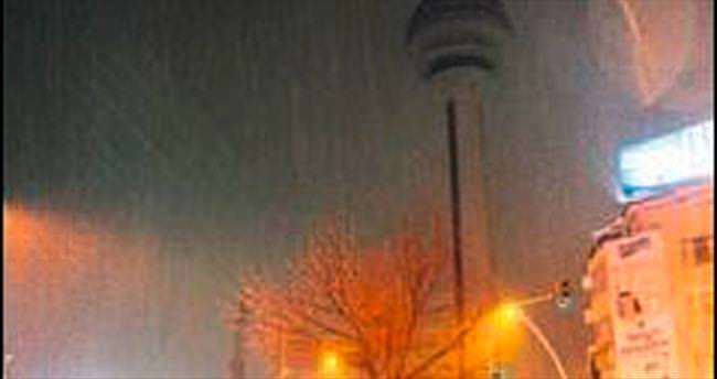 Ankara'da kar yağışı hakim oldu
