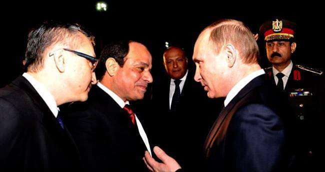Putin, anlaşma için Mısır'da