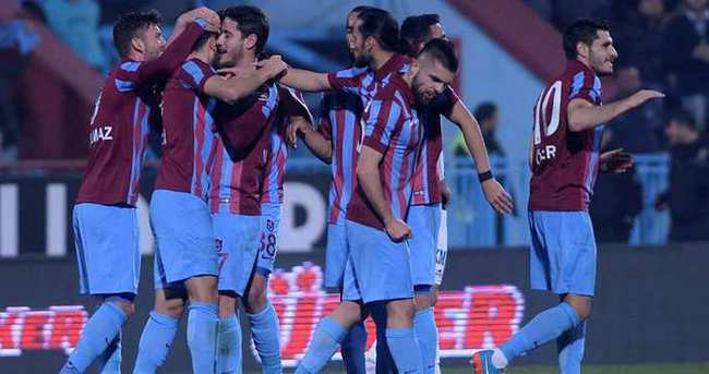 Trabzonspor-Napoli maçı ne zaman saat kaçta hangi kanalda?