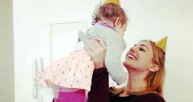 Meryem Uzerli kızı Lara'nın doğum gününü kutladı