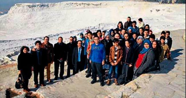 Başarılı öğrencilere Pamukkale gezisi