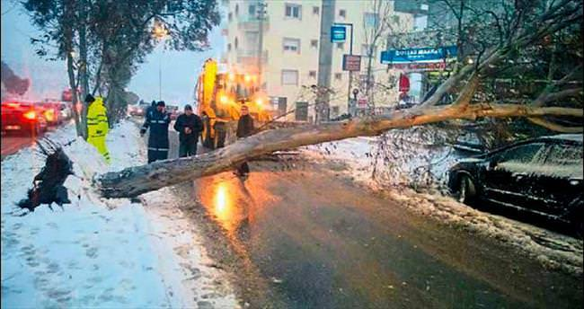 İzmir'de hasar büyük