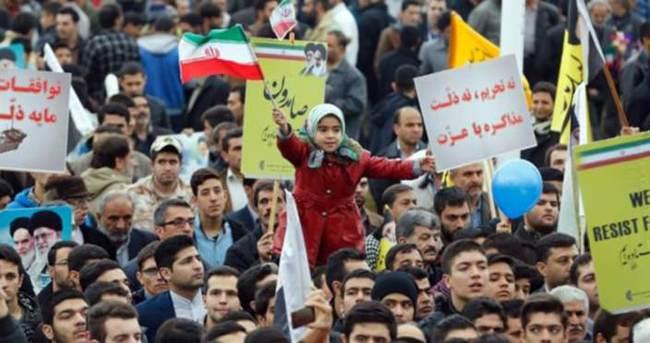 İran'daki kutlamalarda Husilere destek