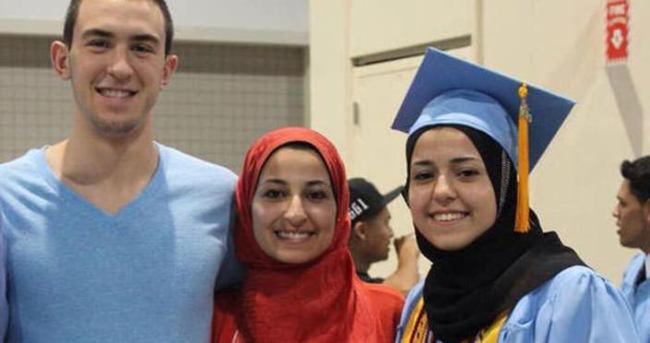 Öldürülen müslüman gençler için binler toplandı