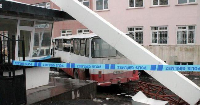 Otobüs Kur'an kursuna daldı