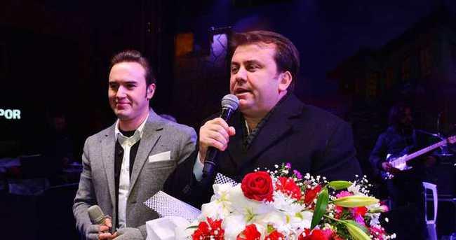 Mustafa Ceceli konserde 'çete' oldu
