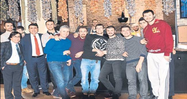 Halkbank ailesi zafer yemeğinde