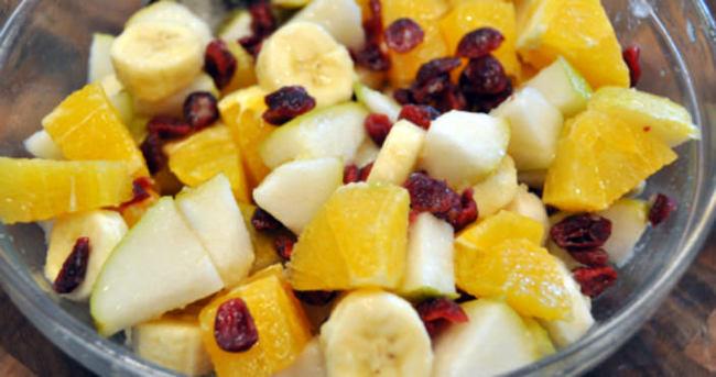 Meyveyi salata şeklinde tüketin