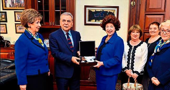 Dünya kadınları İzmir'de buluşacak