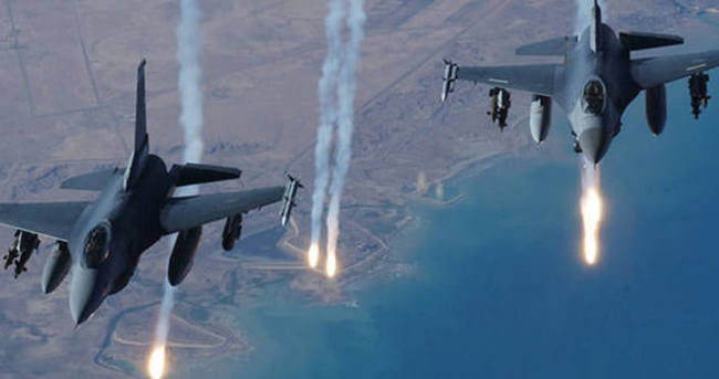 Mısır jetleri Libya'da DAEŞ'i vurdu