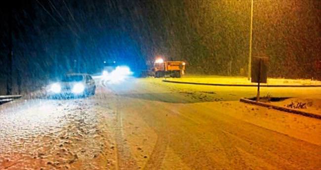 Kar Burdur'da ulaşımı aksattı