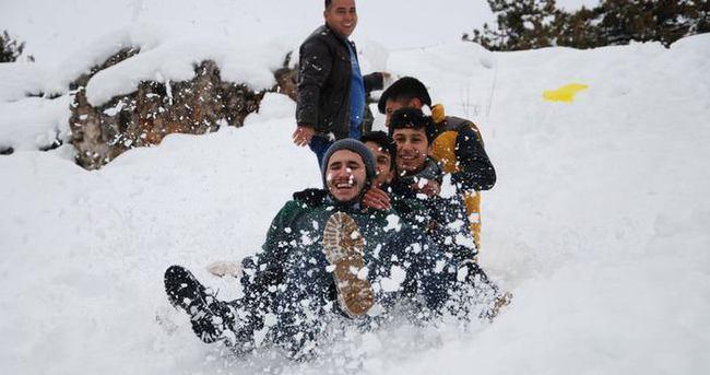 İstanbul'da bugün okullar tatil mi? Kar tatili olan il ve ilçeler