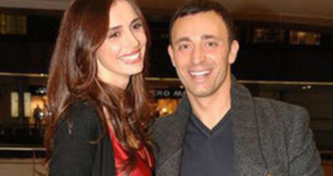 Mustafa Sandal'dan eşine 5 milyon TL'lik hediye