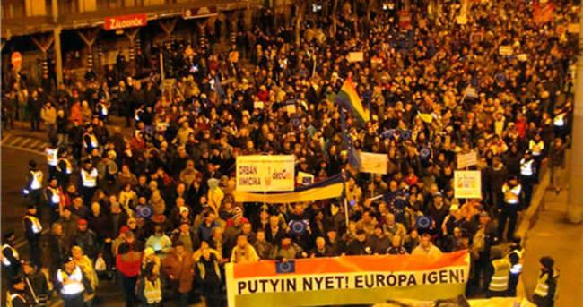 Macaristan'da Putin protestosu