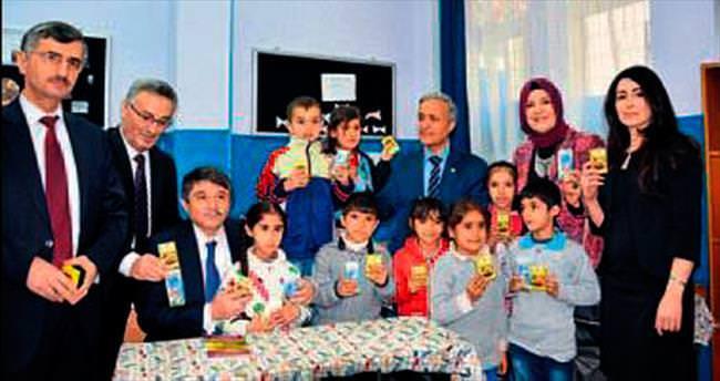 Manisa'da 35 okula kuru üzüm dağıtıldı