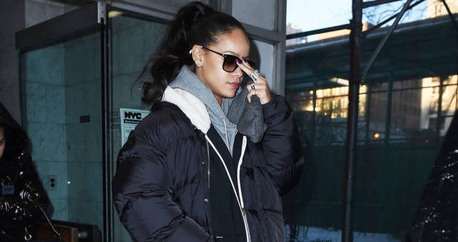 Rihanna'nın kar botları olay yarattı
