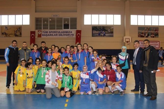 Yıldızlar Bay Bayan Futsal Müsabakaları Sona Erdi
